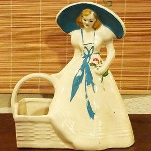 Vtg 1940's USA Brush Pottery Southern Belle